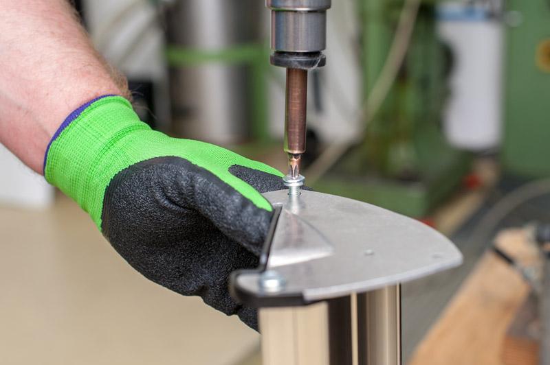 Metallberarbearbeitung schrauben